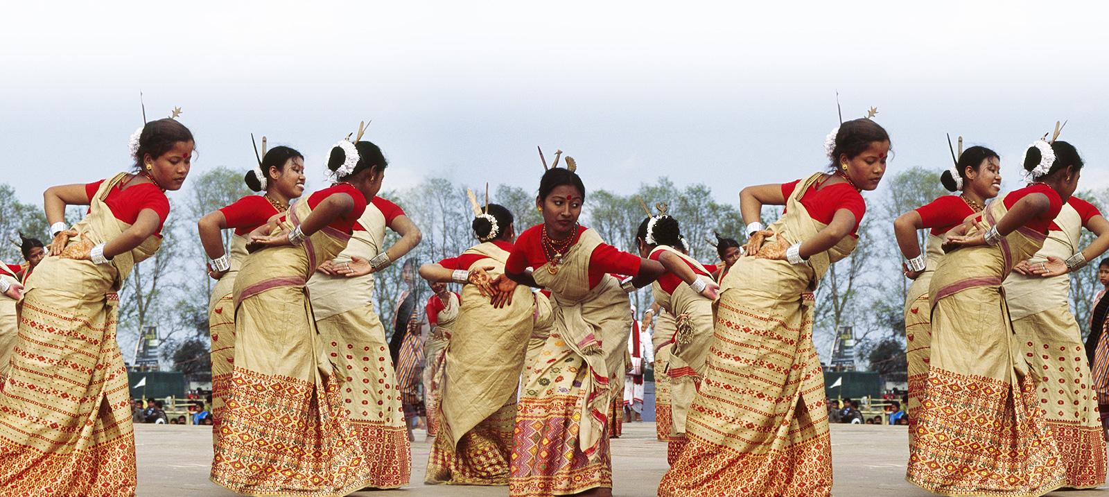 Bihu dance - Wikipedia