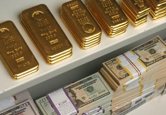 Should USD be restored back to Gold Standard?